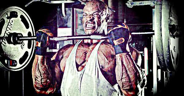 Végsősoron izoláltan dolgoztál a bicepszeidre: minden erődet belevitted a csúcsösszehúzódásba.