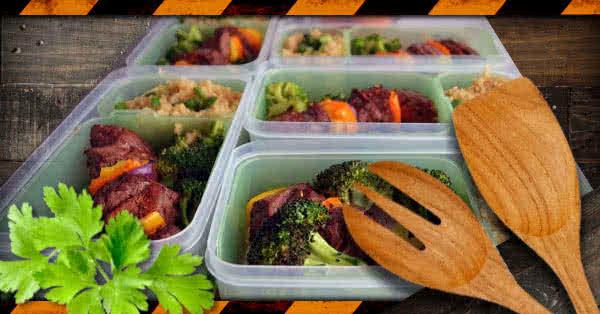 """""""Egyoldalú"""" napi menü: sovány marhahús, brokkoli, édesburgonya, jázminrizs"""