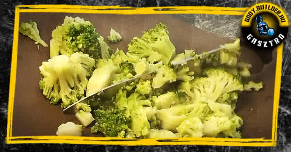 Brokkolis csirkekocsonya recept - elkészítés
