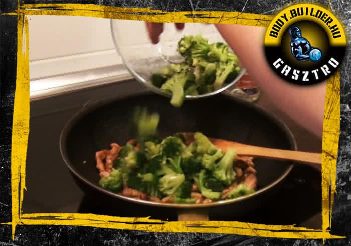 Brokkolis-szezámmagos csirkecsíkok elkészítés - V. lépés