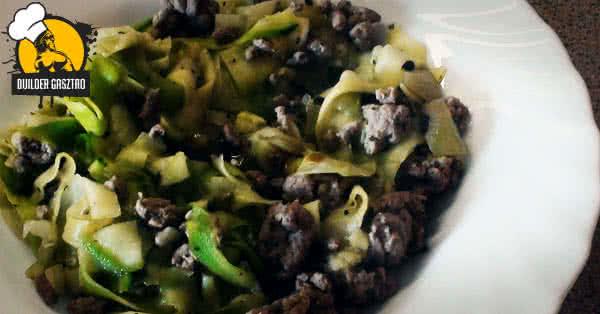 Cukkinis tészta pulykával recept
