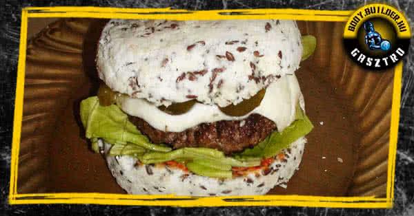 Diétás hamburger házilag, háromperces zsemlével