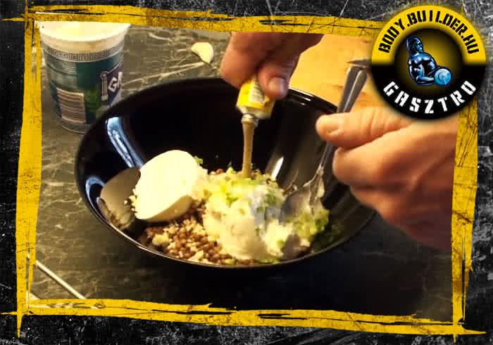 Joghurtos csirkés lencsesaláta elkészítés - II. lépés