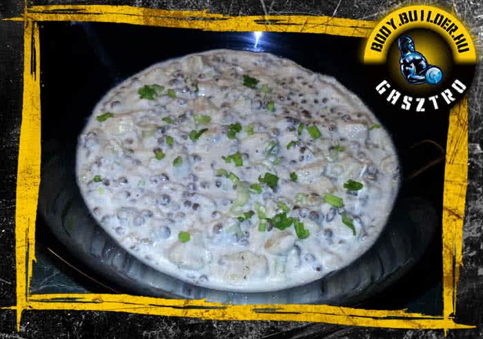 Joghurtos-csirkés lencsesaláta