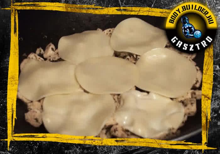 Mozzarellás-bazsalikomos rapid csirkemell elkészítés - II. lépés