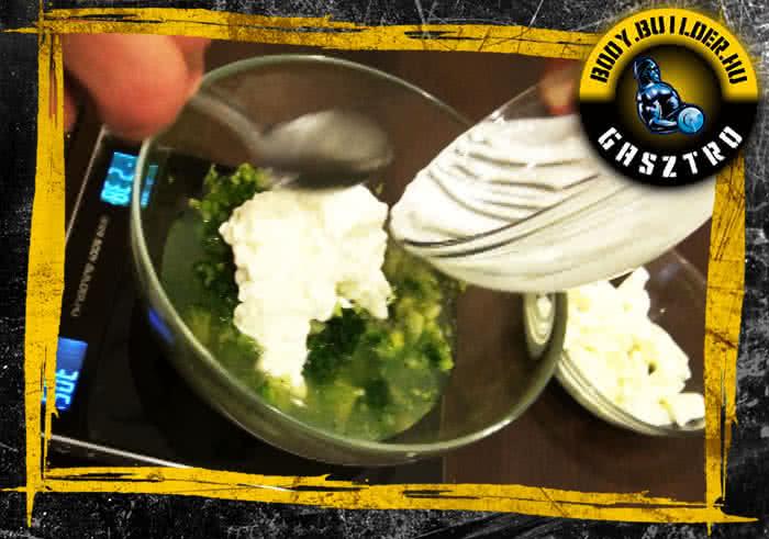 Brokkolis-mozzarellás tojásfehérje omlett elkészítése - III, lépés