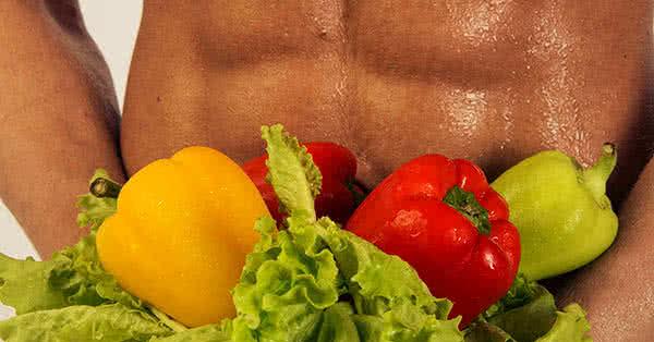Egészséges szénhidrátnak a rostokban gazdag, zöldségekből és teljes kiőrlésű gabonából származó komplex szénhidrátok számítanak.