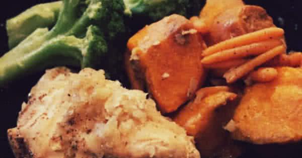 Csirkemellfilé, brokkoli, édesburgonya: egy tökéletes szilárd étkezés edzés után