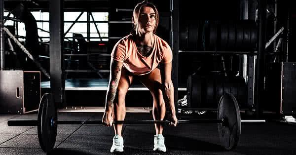 Felhúzás, női edzés, női tömegnövelés