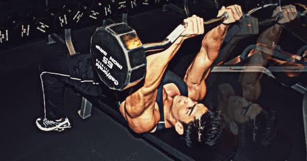 Homlokhoz engedés - az univerzális tricepszgyakorlat