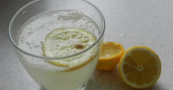 A C-vitamin ellenségei: Víz, főzés, hő, fény, oxigén, dohányzás.