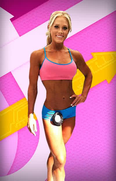 A hölgy végez súlyzós edzést