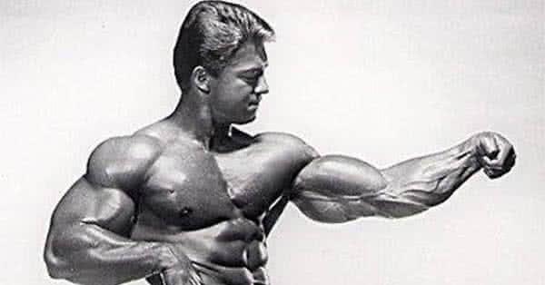 Antrenamentul lui Larry Scott pentru bicepsi