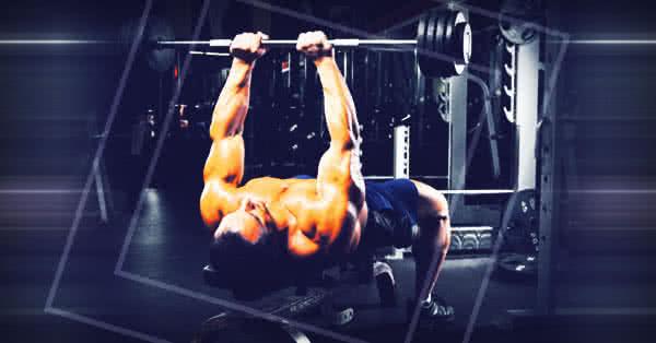 Sokkal koncentráltabban tudod megdolgoztatni a tricepszedet, mint a szűknyomás hagyományos formájával.