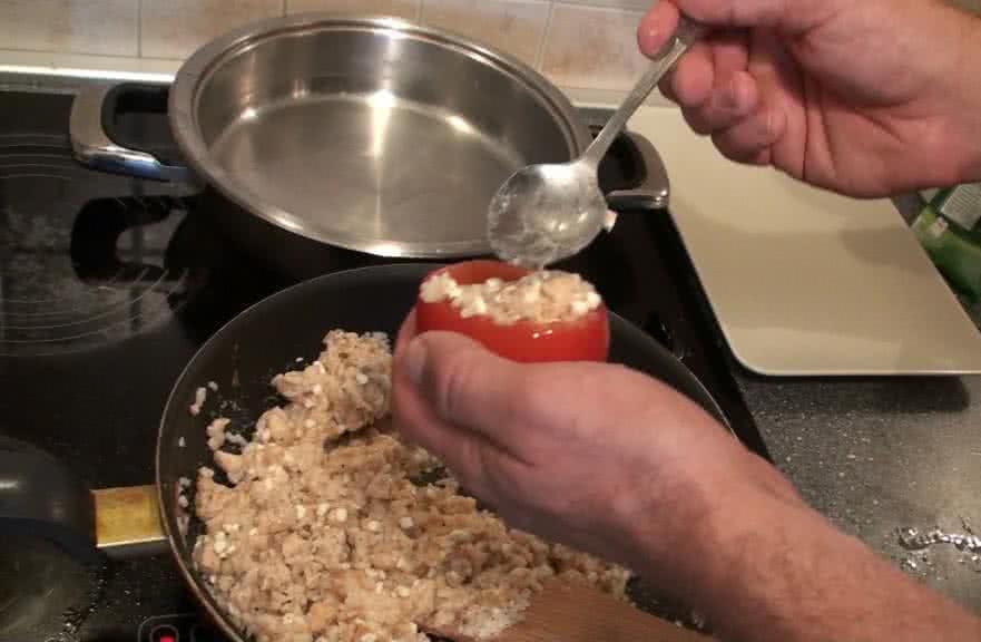Csirkemellel töltött paradicsom elkészítés - II. lépés