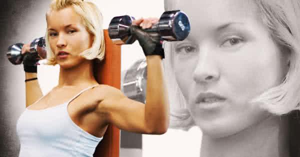 Nincs élesen külön bontva a súlyzós és az aerob edzés.