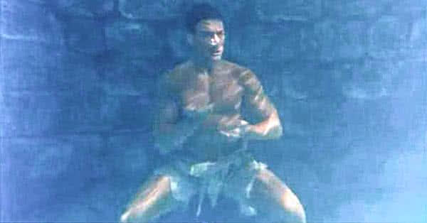 Van Damme víz alatt edz a Kickboxer című filmben