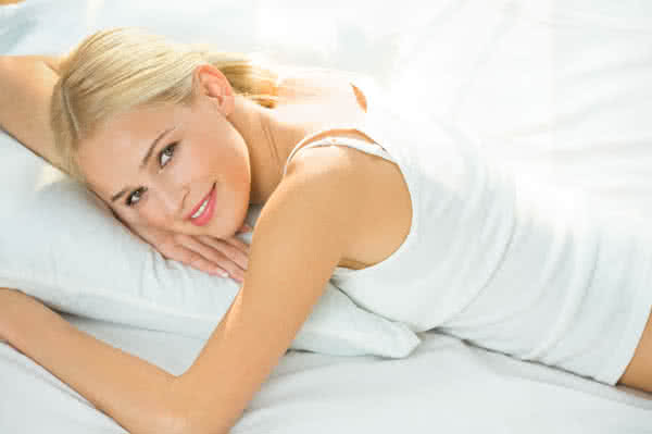 woman_bed