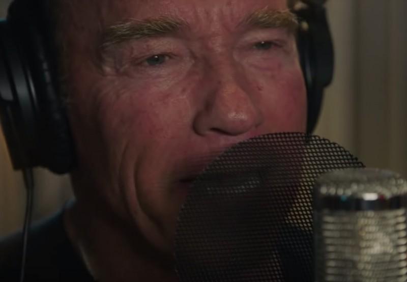 444722e083 Arnold Schwarzenegger most már végképp eltörölte az önbecsülését és örökre  deklarálta, hogy ő az agyhalálosztó. Eljött az ítéletnap: legújabb ...